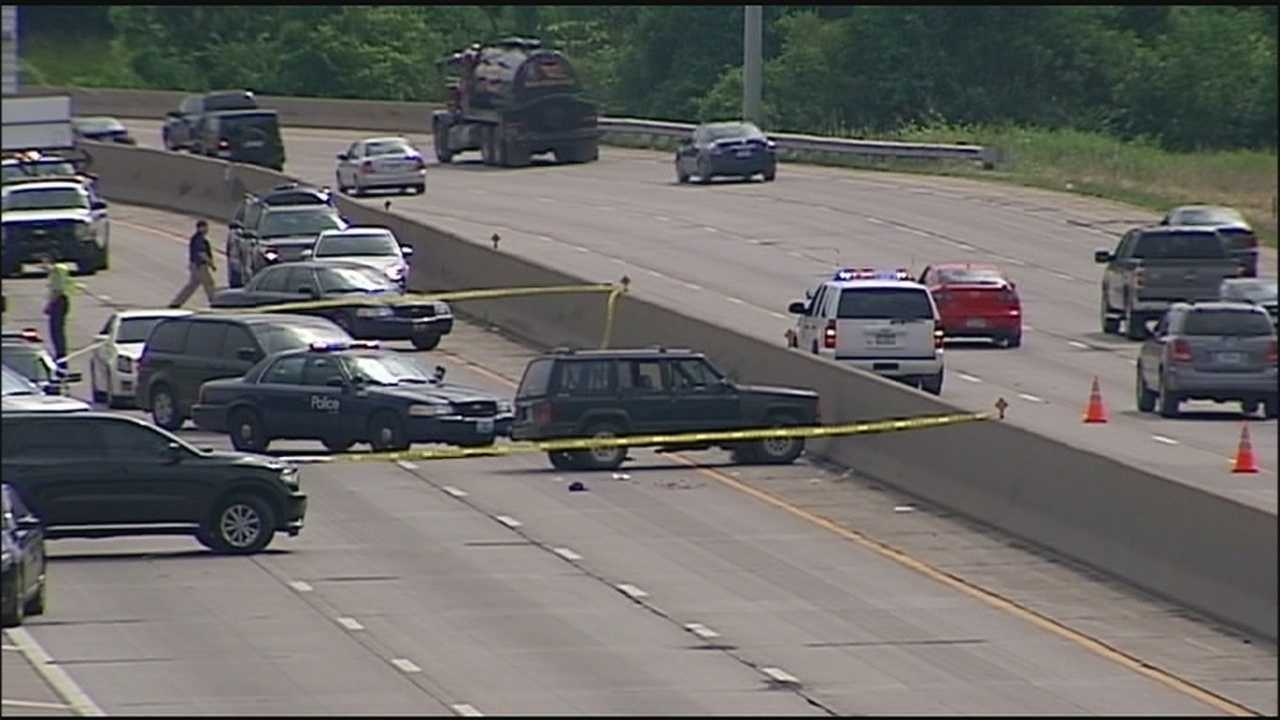 A police pursuit that started in Kansas City, Missouri, ends with a shooting on southbound I-35 near 18th Street Expressway.