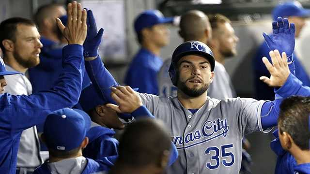 Eric Hosmer slugged the first of two back-to-back home runs for the Royals, but it wasn't enough to beat the Chicago White Sox.