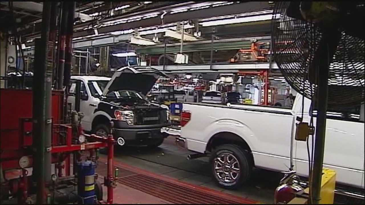 Thousands of United Auto Workers members at Ford's Claycomo plant are being told to prepare for a possible strike as soon as this weekend.