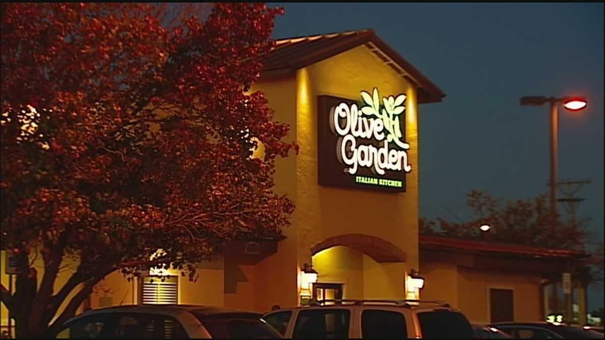 Police officer allegedly refused service at Olive Garden restaurant