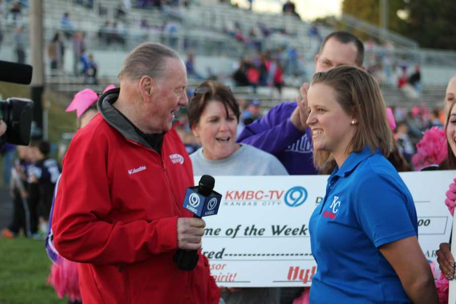 Chiefs Super Bowl champion and Hall of Fame quarterback, Len Dawson, signs autographs and meets fans ahead of the HyVee Game of the Week.  Each school was given a $500 check from HyVee.