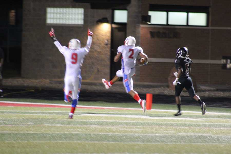 Olathe North found its tallest target at wide receiver, Isaiah Simmons, in the fourth quarter. His second touchdown in so many minutes cut the deficit, 24-21.