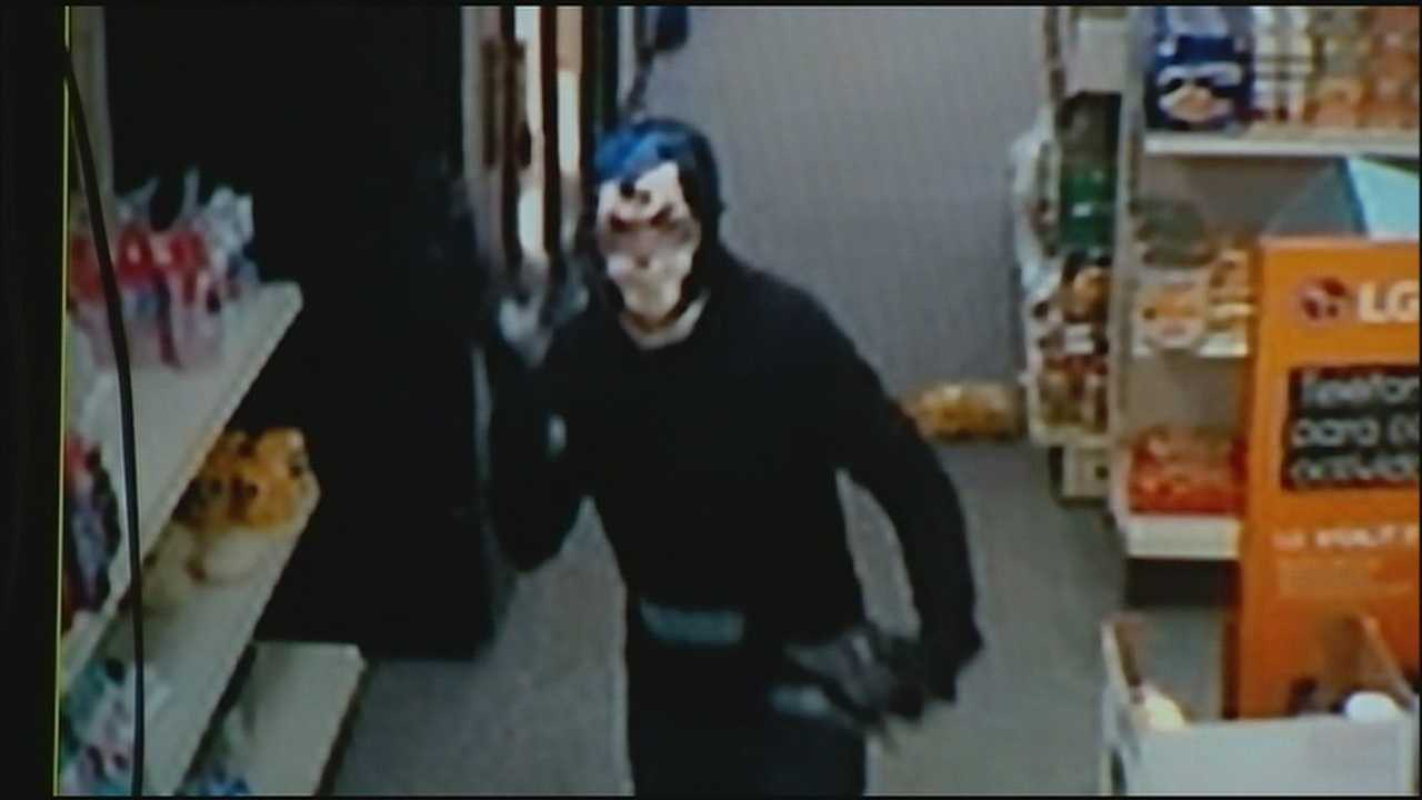 The owner of an Overland Park Las Comadres store is asking the public to help police find the people who robbed the store at gunpoint.