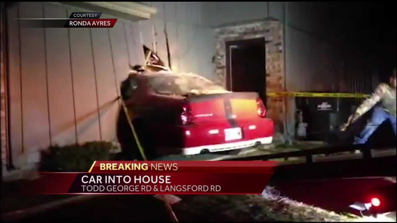 A car crashed into a Lee's Summit duplex late Thursday evening.