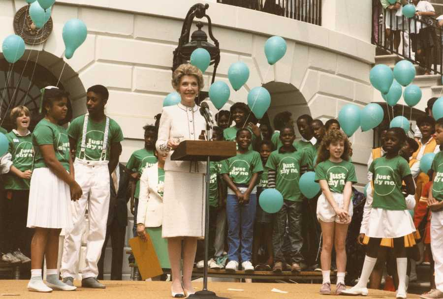 """First Lady Nancy Reagan at a """"Just Say No"""" rally at the White House. (May 22, 1986)"""