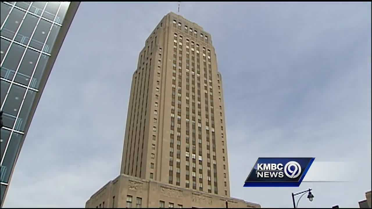 Critics of Kansas City's earnings tax said the city would be better off with a different tax structure.
