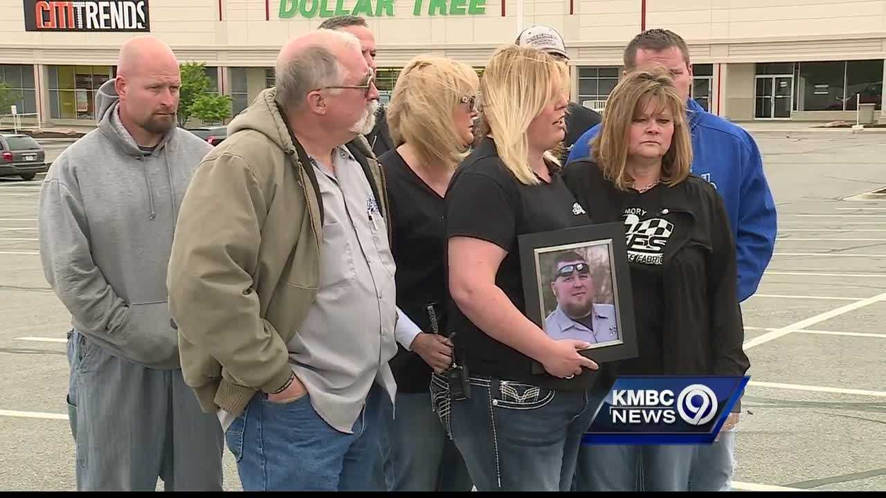 The family of a man who was fatally shot in the parking lot of an east Kansas City grocery store is begging the public for help finding the killer.