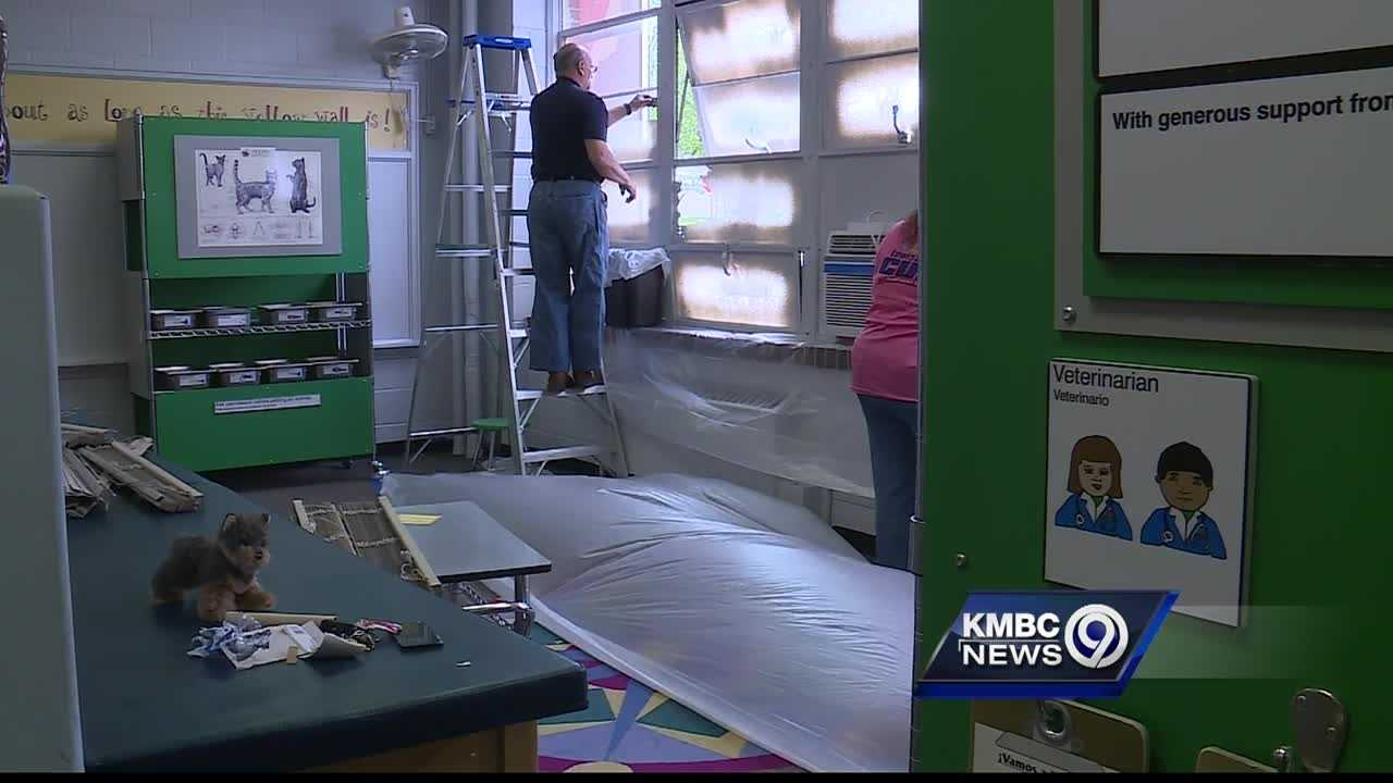 Wonderscope Children's Museum of Kansas City is getting a makeover, with help from volunteers from Lowe's stores.