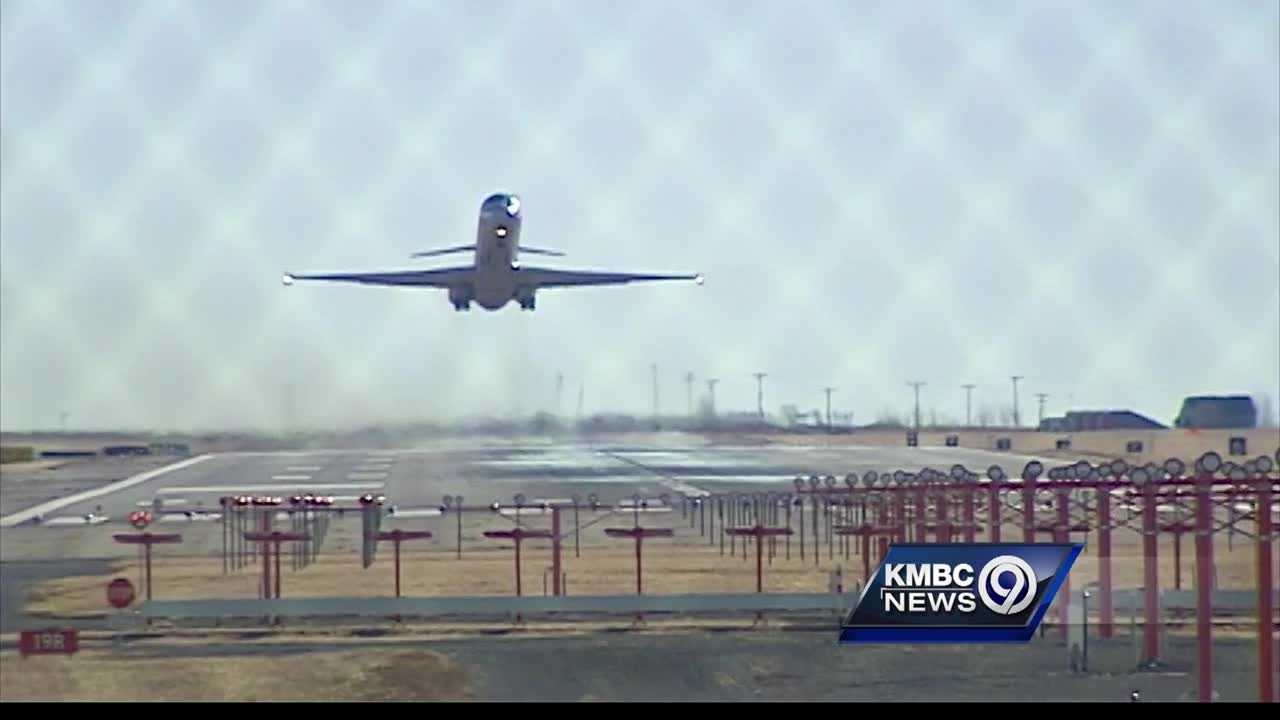 The airlines that serve Kansas City International Airport and the city's Aviation Department said they want a new single-terminal airport and the airlines will be paying for it.