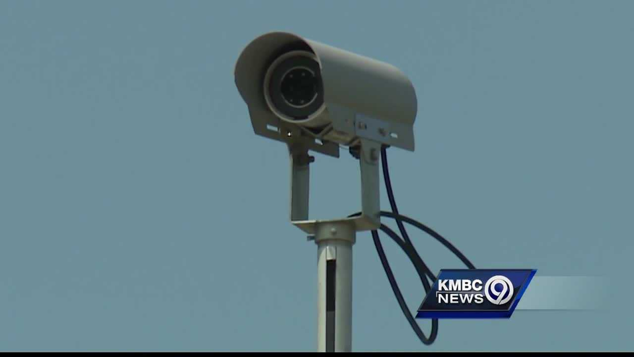 A new program in Prairie Village is helping police keep up with illegal activity in real time through the use of traffic cameras.