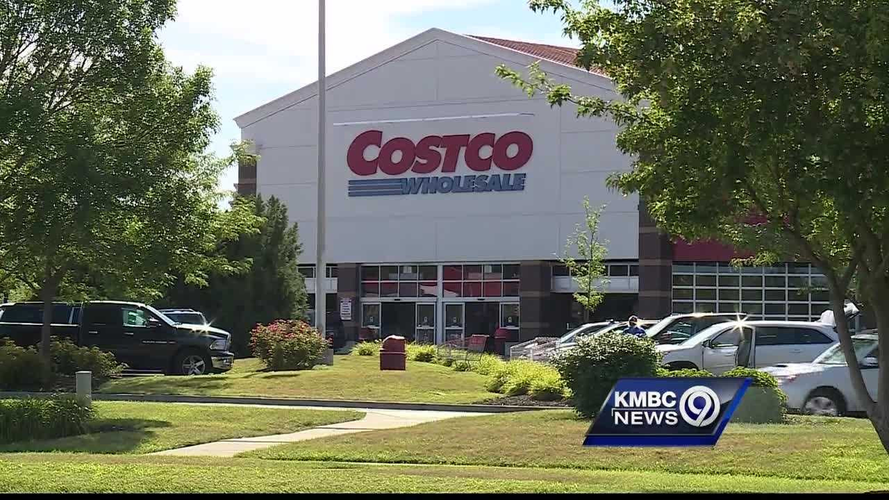 Costco customers are being warned about a phone scam that's targeting people who use credit cards at the wholesale giant.