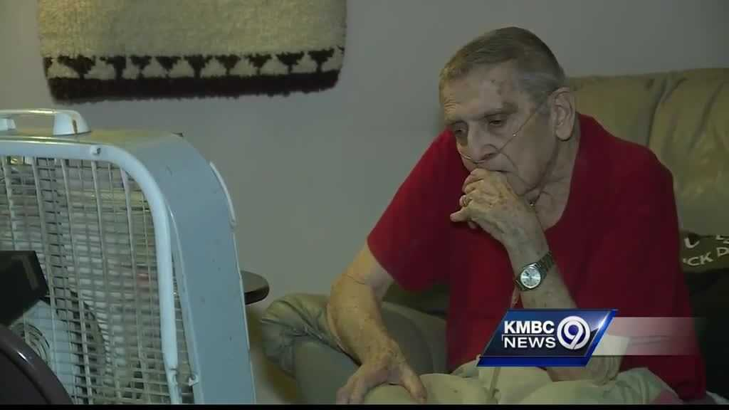 An Overland Park man who got help from the community to pay a $4,000 electric bill that led to his service being shut off has died.