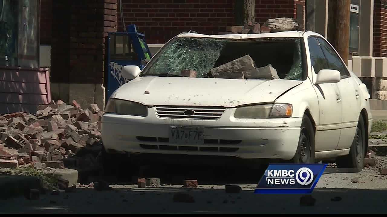 Demolition crews are preparing to take down the rest of a Kansas City building that partially collapsed Wednesday morning.