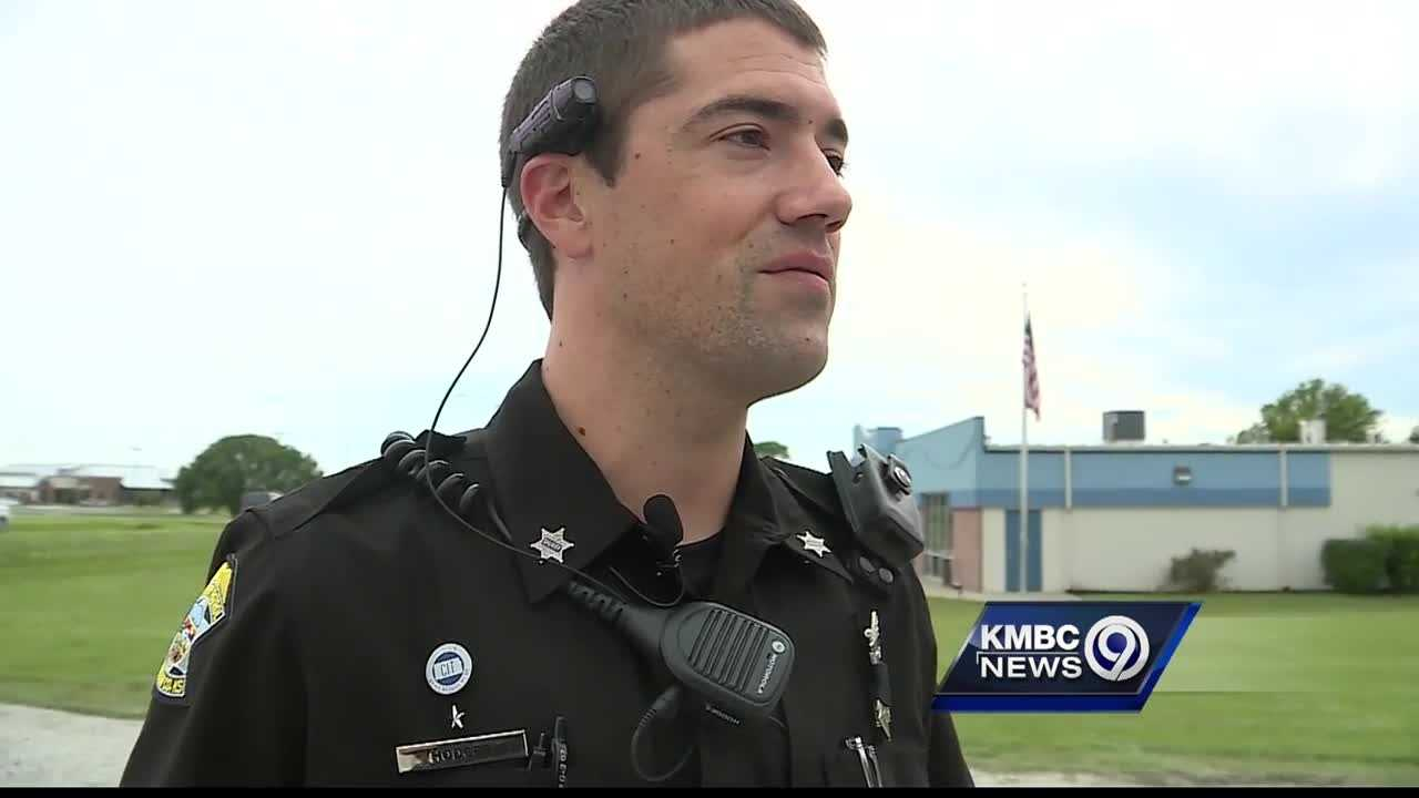 A Johnson County deputy said he helped a man who he found alone, disoriented and suffering from the heat.