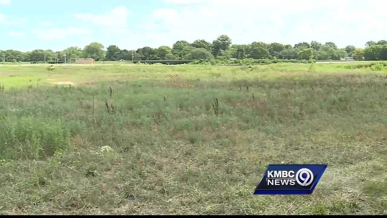Mission Mayor Steve Schowengerdt said the city needs to get something done to fill the vacant lot at the site of the old Mission Mall.