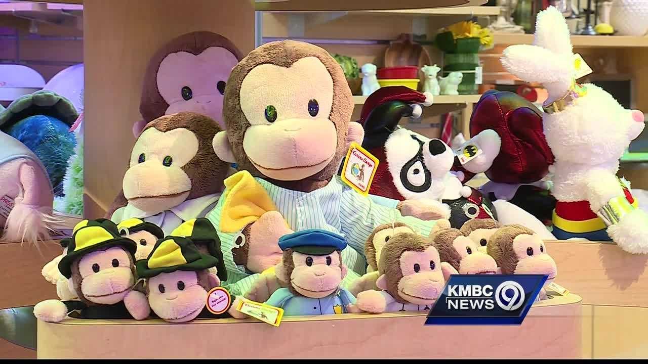 Children are supporting other children at Kansas City's Children's Mercy Hospital, but they need the public's help to brighten a patient's day.