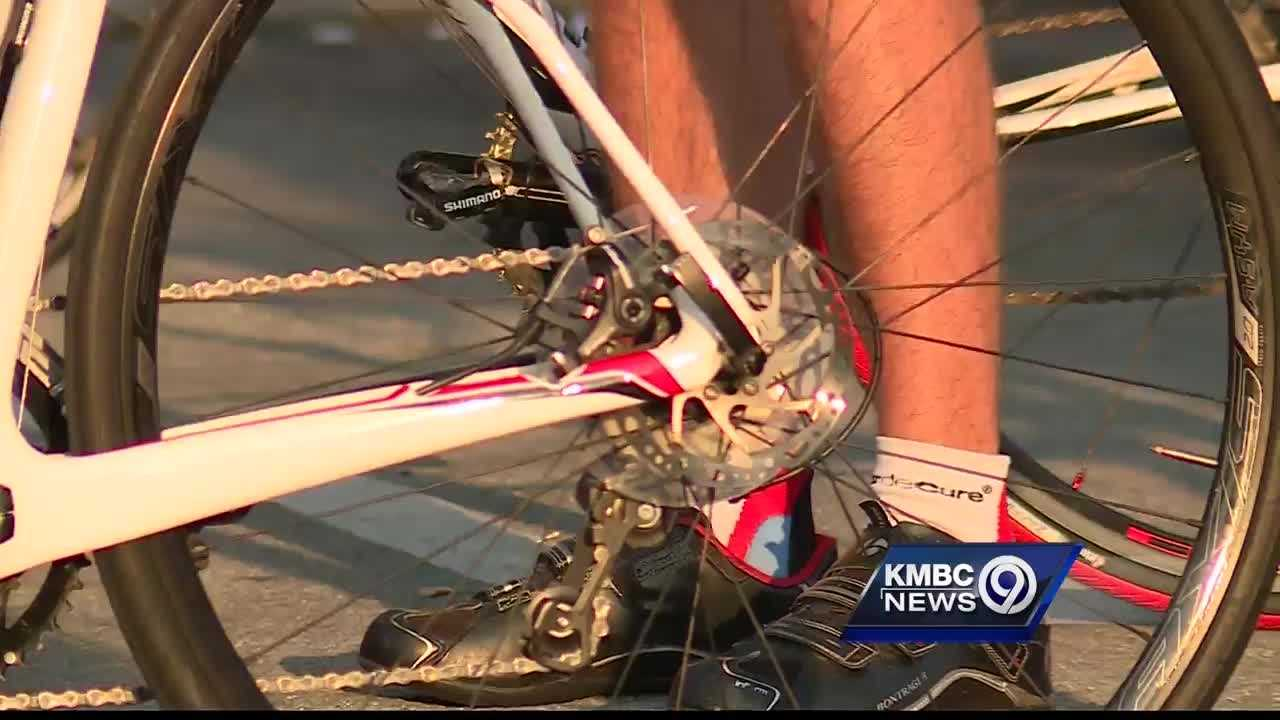 Hundreds of bicyclists raised tens of thousands of dollars for mental health organizations across the Kansas City metropolitan area Monday.