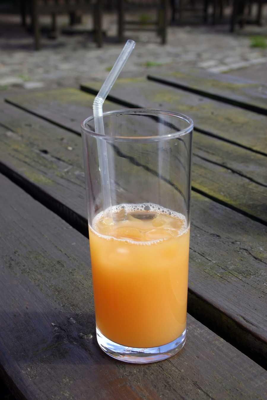 3. Fruit juices often have sugar added.
