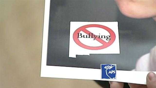 """""""School district, parents to discuss bullying"""""""