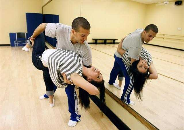 Conservative activist & TV personality Bristol Palin and partner Mark Ballas practice ahead of opening night.
