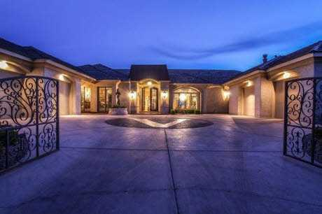 Take a look inside this 4 bedroom, 6 bath mansion in Albuquerque, NM featured on realtor.com