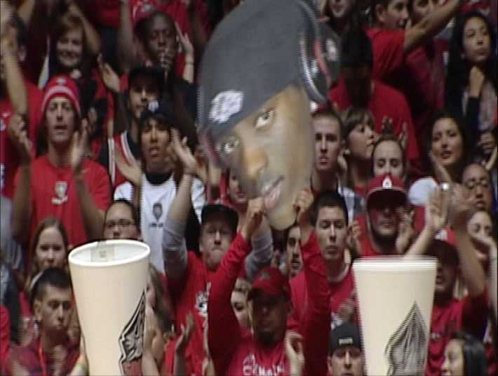 The Pit was rocking overnight during ESPN's tipoff marathon game between the New Mexico Lobos and the Davidson Wildcats.