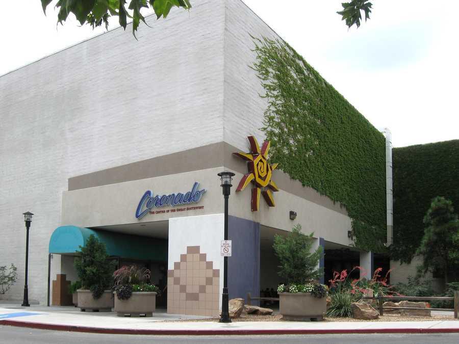 Coronado Mall opens at Midnight on Black Friday