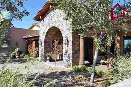 Take a look inside this 5 bedroom, 5 bath mansion in Las Cruces, NM featured on realtor.com