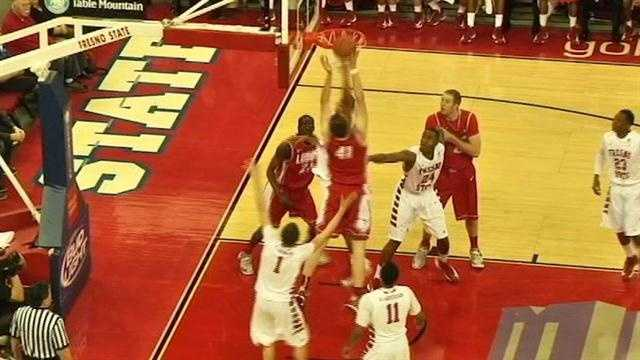 Lobos rally to win at Fresno State