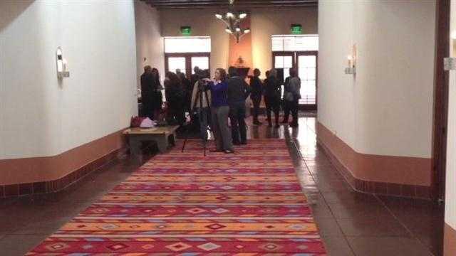 Santa Fe mayor says gay marriage legal in NM