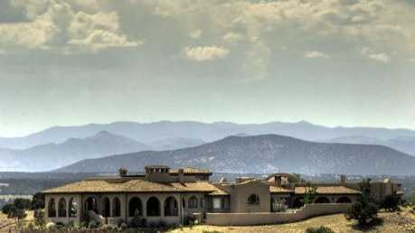 Take a look inside this 3 bedroom, 6 bath mansion in Santa Fe, N.M. featured on realtor.com