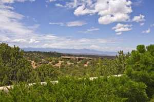 Tour this 4 bedroom, 7 bathroom mansion in Santa Fe, N.M. featured on Realtor.com