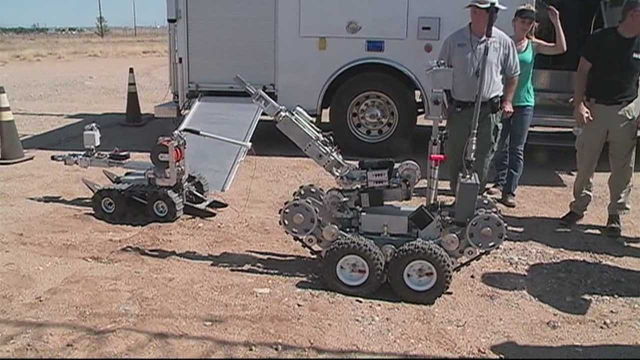 Event challenges bomb squad teams to diffuse situations using robots