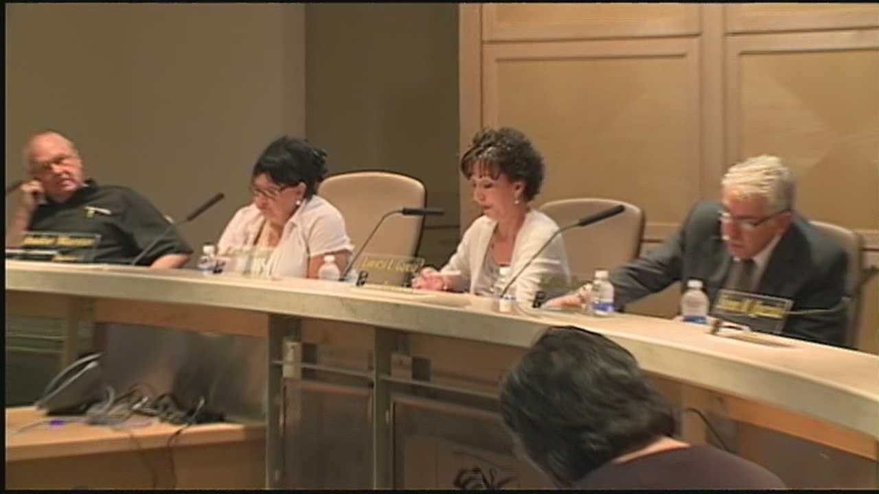 The Albuquerque School Board voted 2-4 against a motion to put a basic life insurance premium back in APS' budget.