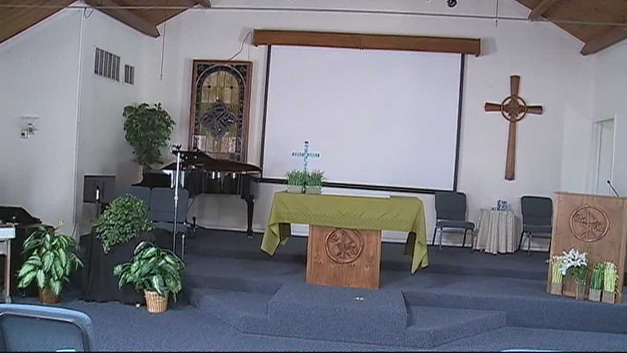 img-Some same-sex couples prefer tying the knot in church