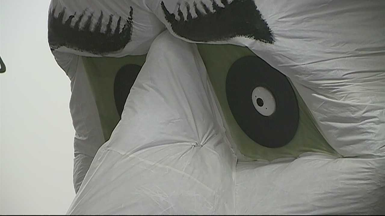 img-Thousands of people logging onto to Zozobra website