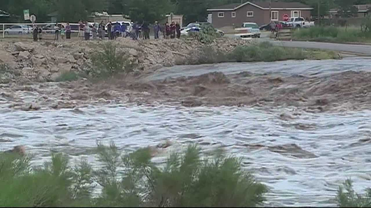 img-Torrential flooding soaks southern New Mexico