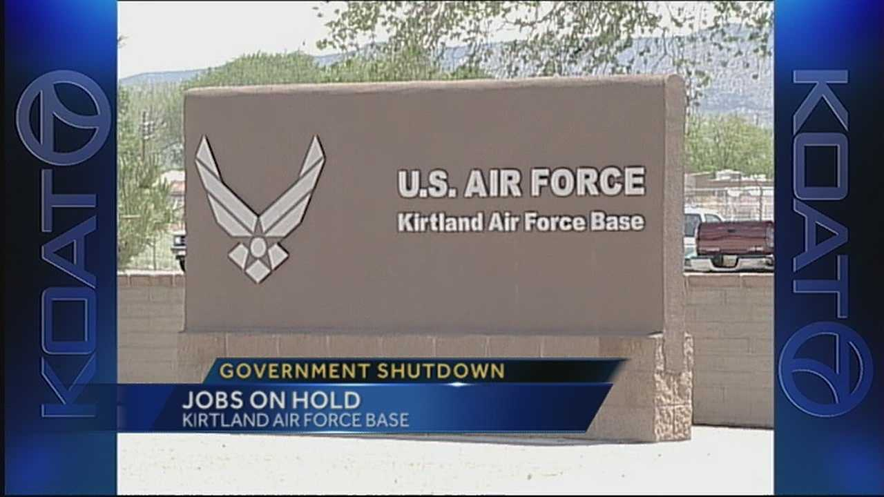 img-Civilian contractors may lose jobs with government shutdown
