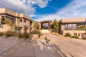 Take a peek inside the 6,100 square foot mansion in Albuquerque, N.M. featured on realtor.com