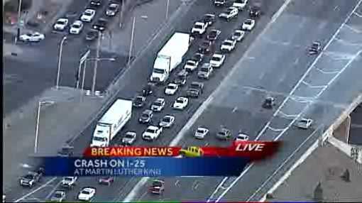 Crash closes northbound I-25 lanes