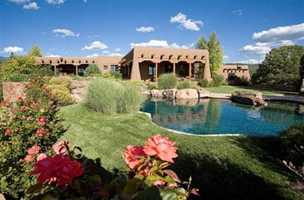 Tour this 6 bedroom, 7 bathroom mansion featured on Realtor.com