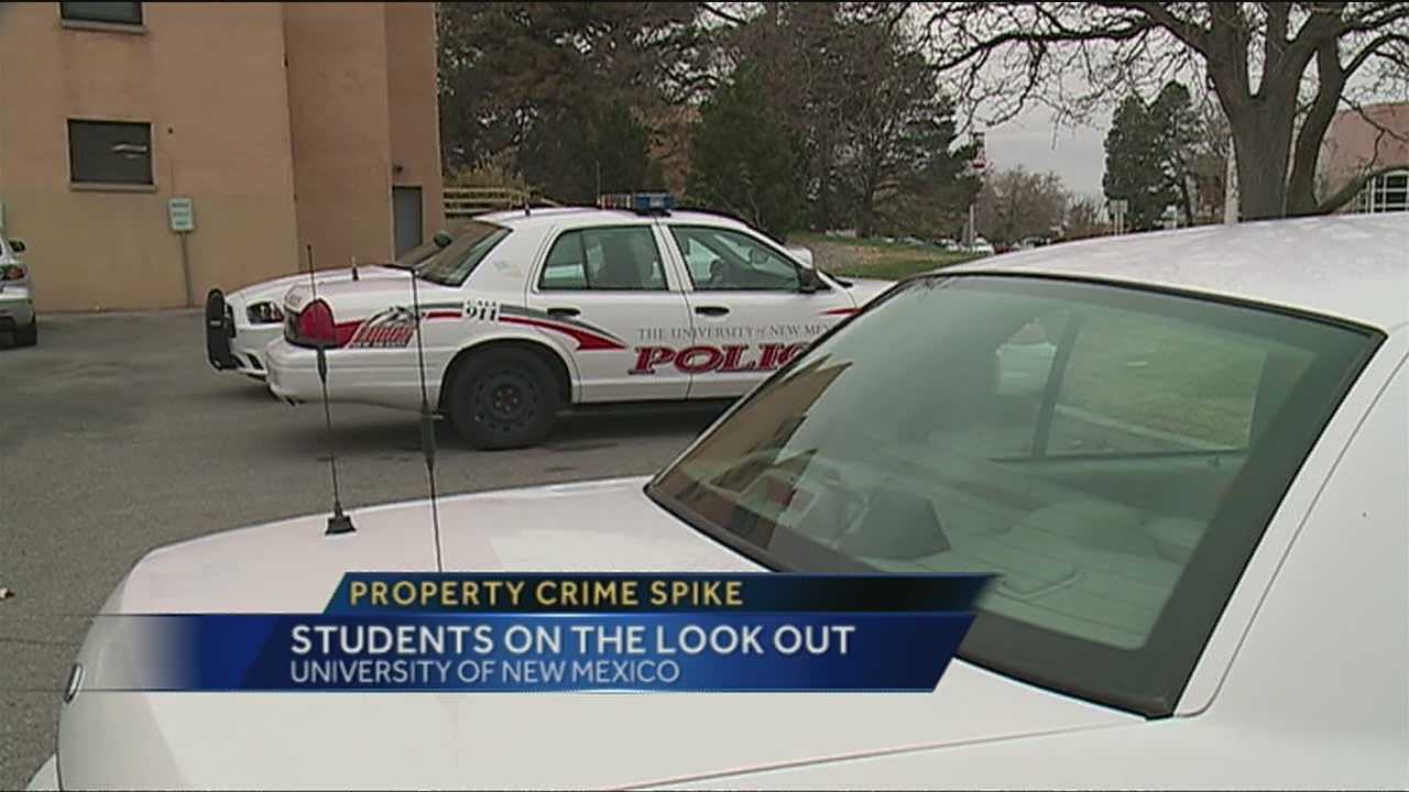 UNM students are getting warnings from police to keep a close eye on their belongings.