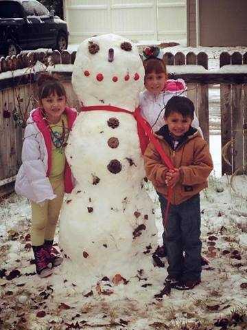 Hernandez family snowman. Carlsbad, N.M.