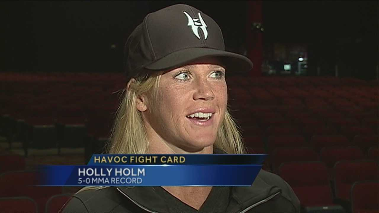 Albuquerque's Holly Holm decided to give up her boxing career to focus full time as a mixed martial artist, and so far she's having the same level of success in the cage.