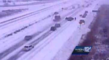 VIDEO: Massive Wisconsin pileup caught on camera | A Wisconsin Dept. of Transportation camera captures the 5 minutes it took for a pileup on Highway 41/45 to occur and to shut down the highway near Germantown on Sunday.