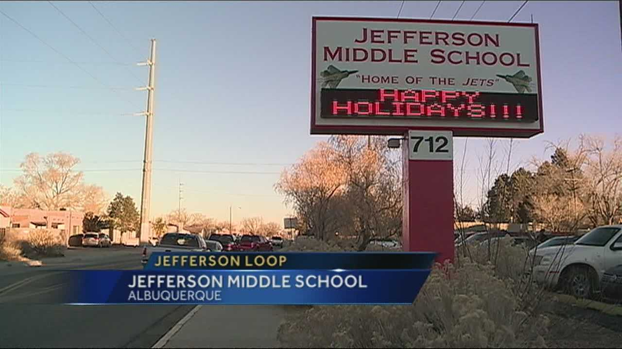 While neighbors to Jefferson Middle School are heated over the opening of a new loop road, parents are giving it a thumbs up.