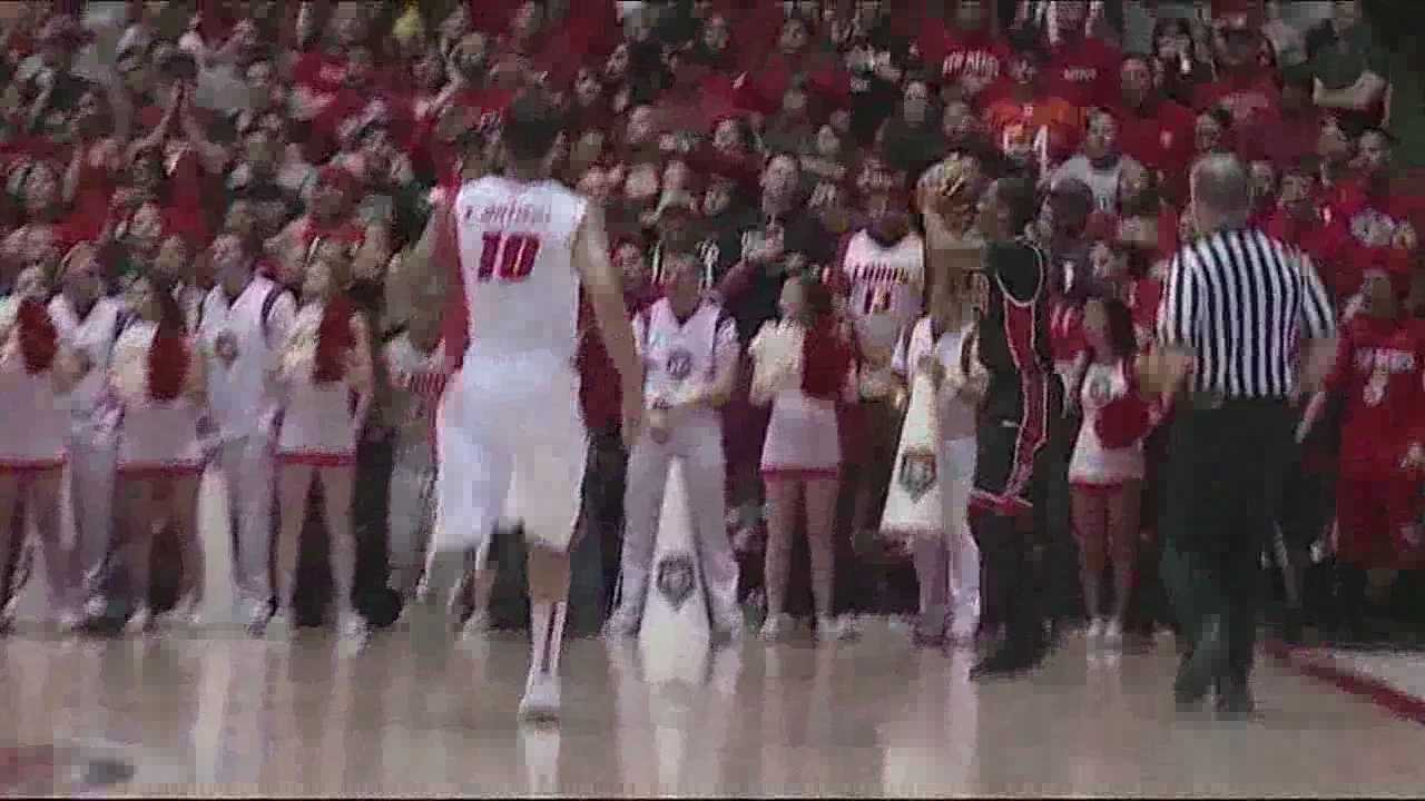 The Runnin' Rebels were too much for the Lobos Wednesday at The Pit.