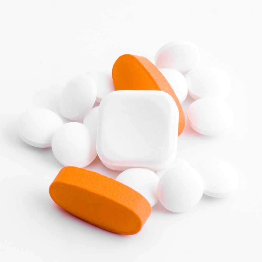 5. Watch out for drug confusion. This occurs often with drugs that have similar sounding names and similar looking pills. Ideally, you should know both the brand name and generic name for each medication you are taking.