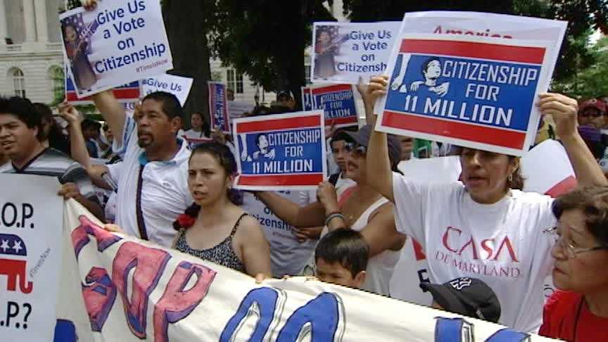 Lawmakers Juggle Immigration Reform