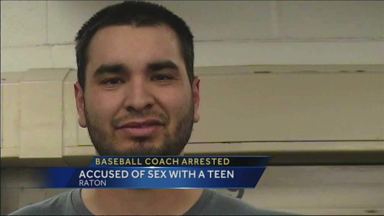 Police: Baseball coach turned self in after sex with teen